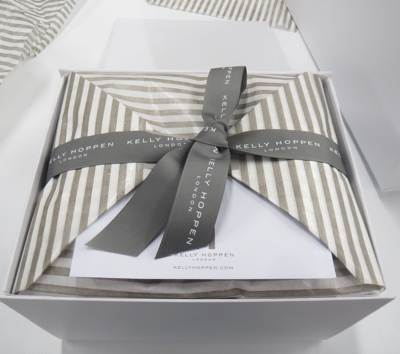 Gift packaging technique for kellyhoppen.com